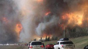 Incendie de forêt à Fort McMurray, 3 mai 2016 (Crédit photo : DarrenRD, téléchargé sur Wikipédia)